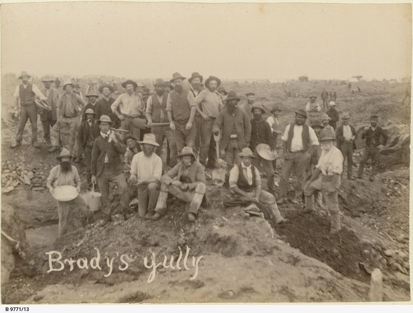 B-9771-13-Miners at Brady's Gully
